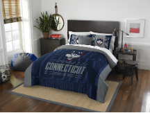 NCAA Connecticut Huskies QUEEN Comforter and 2 Shams